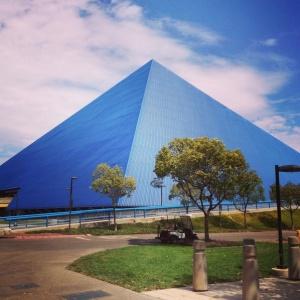 "Nele Barber on Instagram- ""Love that view #art110f15 #pyramid #csulb"".clipular"